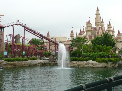 Enchanted Airways Rollercoaster & Far Far Away Castle