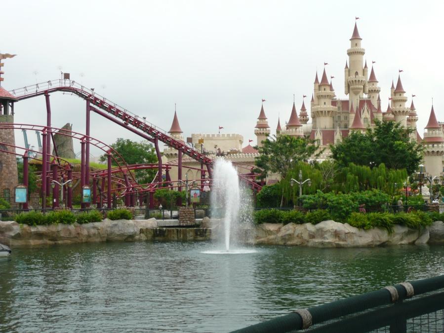 Enchanted Airways Rollercoaster & Far Far Away Castle