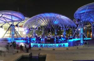 Resorts World Sentosa - Lake of Dreams fountains