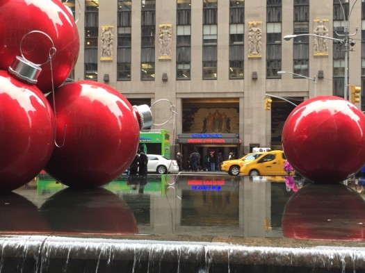 New York Xmas Balls and Cabs